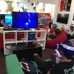 [Play United] Play the Favourite PS4 VR for free at amk outlet , come and try the latest gadget today :) .