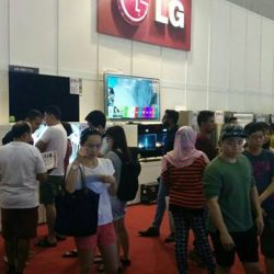 [Gain City] So many people are here at Expo Hall 6A looking for great deals!