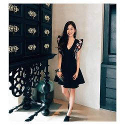 [OSMOSE Singapore] The Dress Code   Capture the daze of everyone with exquisite needlework and plunging neckline.