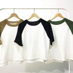 [SNAPSTYLE] TWO TONE KNITTED TOP SGD 29.