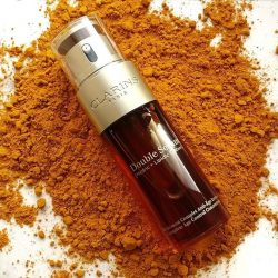 [Clarins] DidYouKnow that Turmeric is known for its exceptional ability to optimise skin's 5 vital functions?