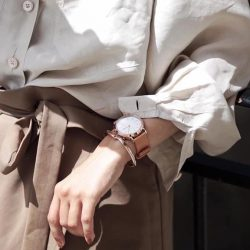 [H2 Hub] Indulge in sophisticated elegance when acing a neutral look with Skagen.