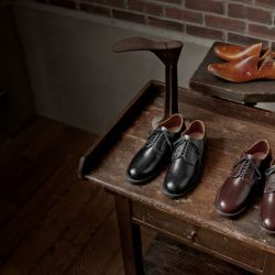 [Red Wing Shoe] Polished, classy and crafted with premium Esquire leather, Red Wing's Heritage Mil-1 Blucher oxford shoes 9086 Cigar & 9087
