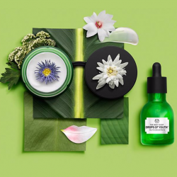 [The Body Shop Singapore] Achieve complexion perfection with our Drops of Youth Power Duo - Youth Concentrate and Bouncy Sleeping Mask.
