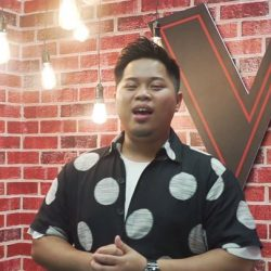 [StarHub] Praised for his good music genes, watch 高愷蔚 Ape belt out a stanza from his favourite song, a cappella no less.