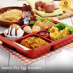 [OLDTOWN White Coffee Singapore] With crunchy wantons, yummy ice creams, and a host of other kid-friendly favourites, our Junior Dry Egg Noodles meal