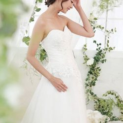 [LA BELLE] Your ideal wedding gown starts with us.