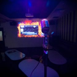 [Manekineko Karaoke Singapore] A total different experience with 3D Vision, Scoring & Gaming Karaoke, Motion Background and A Performing Stage only in VIP Room