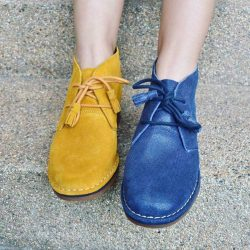 [Hush Puppies Outlet / Antton & Co. Outlet] Left or right?