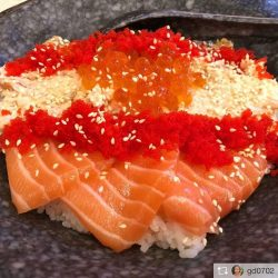 [Sakae Sushi] Awesome to see our customers enjoying our signature Sakae Don!