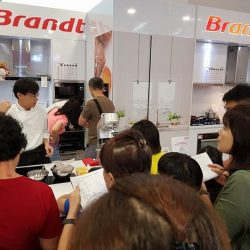 [Gain City] We're here at the Brandt concept corner at level 1 of the Gain City Megastore @ Sungei Kadut where Chef