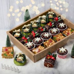 [Polar Puffs & Cakes Singapore] Your Christmas feast is just a click away!
