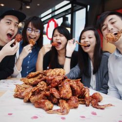 [4 Fingers Crispy Chicken] What's a party without cluckin' good wings!
