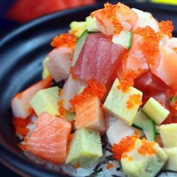 [Reddo Sushi] This bowl of marinated raw fish will hit the spot for sashimi lovers without making much of a dent in