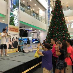 [Gain City] It's activities galore here at the Gain City Megastore @ Sungei Kadut as the DJs from Love 97.