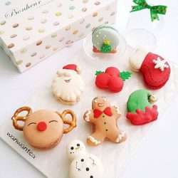 [Bonheur Patisserie] WIN a box of 8 Christmas themed macarons from Bonheur Patisserie!