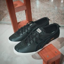 [STARTHREESIXTY] Onitsuka Tiger Mexico Delegation ($169) - a remake of the iconic Mexico 66model, this pair is sophisticated and a luxury to
