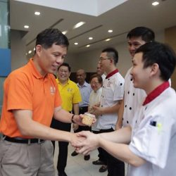 [Foodfare] A few days ago on New Year's Eve, NTUC Secretary-General Chan Chun Sing visited Changi Airport Terminal 4