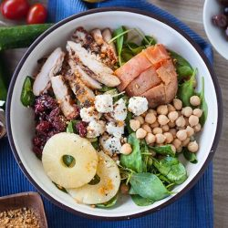 [The Soup Spoon] Monday   How about having a bowl of salad after a weekend of feasting?