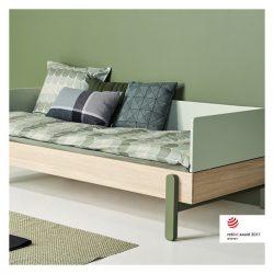[FLEXA] POPSICLE by FLEXA offers the quintessential sofa bed for your teenager.