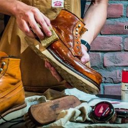 [Red Wing Shoe] Red Wing Heritage cleaning and conditioning at Red Wing Shoe Store.