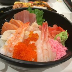 [Reddo Sushi] What about a good bowl of Chirashi Bowl for lunch?