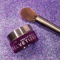 [Urban Decay Cosmetics Singapore] Mix The Velvetizer into Naked Skin Liquid Makeup to create an extra velvety feel, a beautiful matte finish and added