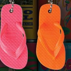 [H - The All Havaianas Store] Get free Havaianas Limited Edition Keychains at Suntec City today!
