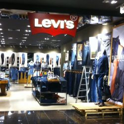 Levi's: NEW Store Opening at Marina Square with FREE Gifts for First 100 Shoppers & Buy 1 Get 1 FREE Storewide!